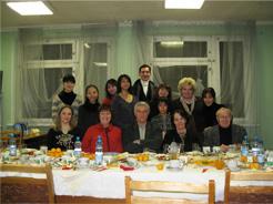 【宿泊場所】ベラルーシ共和国国立舞踊学校内 (学校内にある寮に宿泊します)【食事】学校内にある食堂にて3食とります。 *例/朝8:30 昼13:30 夜18:00 写真は参考です。【VIZA取得】ベラルーシの滞VIZA ロシアのトランジェットVIZA ベラルーシに滞在する為のVIZA(ベラルーシ大使館)、モスクワでのトランジェットVIZAの取得(ロシア大使館)は当方で行いますので添付したアンケート(VIZAの取得申込書)に記入して郵送してください。*質問などお気軽にお問い合わせください。